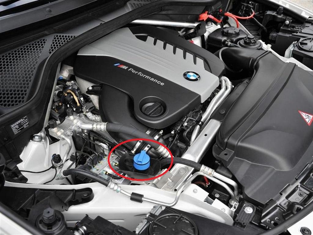 Заправочная горловина бака AdBlue БМВ X5/X6
